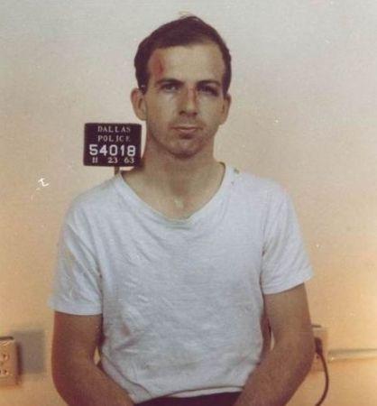 Lee Harvey Oswald dopo il suo arresto
