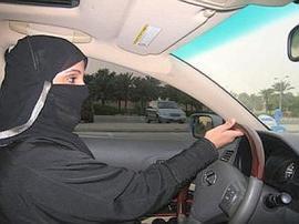 arabia_saudita_donne_al_volante--400x300